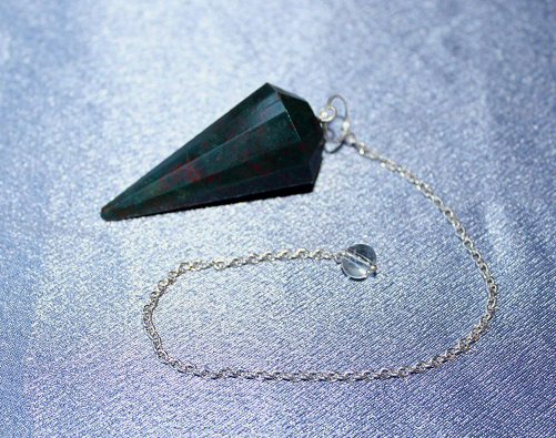 Bloodstone Faceted Pendul