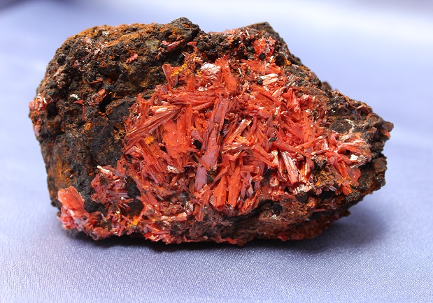 Crocoite Cluster Large