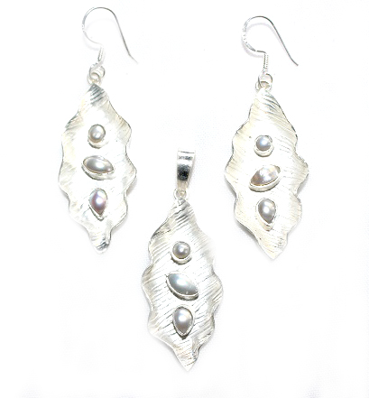 Pearl Leaf Jewellery Set